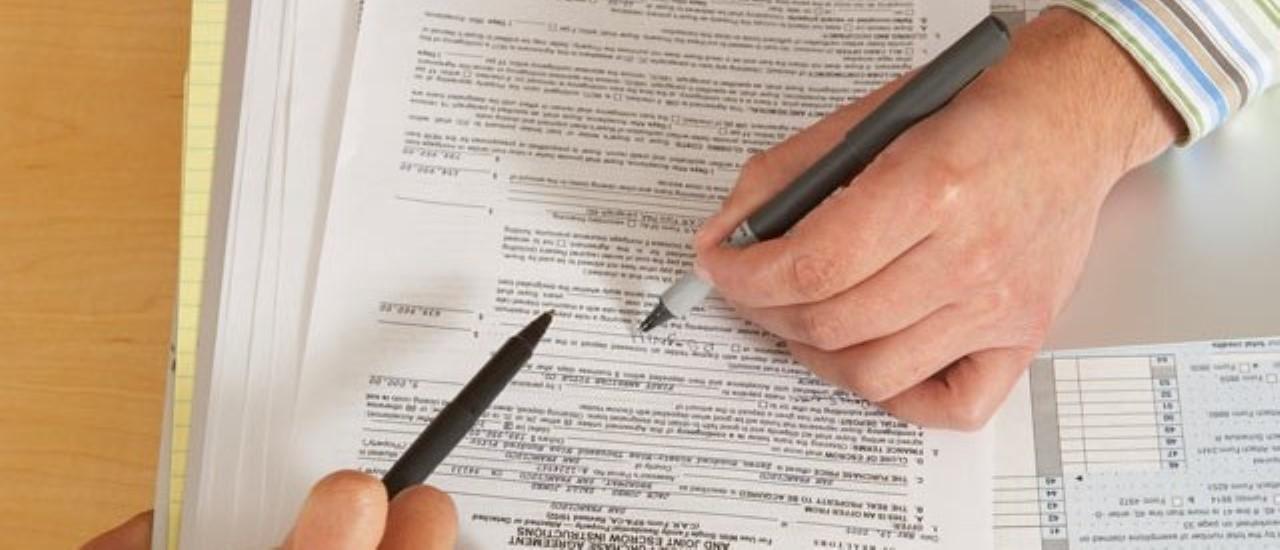 Условия совершения сделки дарения жилья: условия и особенности, образец договора дарения, какой налог, ограничение дарения